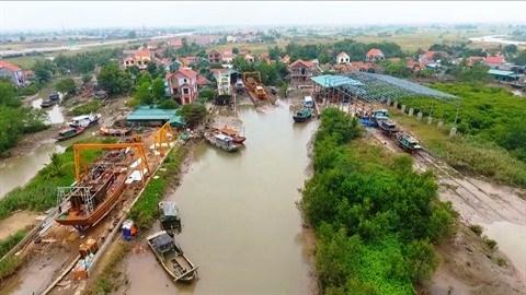 Quang Ninh : voyager dans des villages de metiers a Quang Yen hinh anh 1