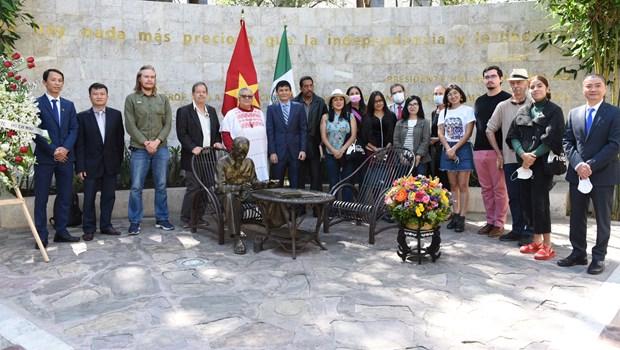 Des activistes politiques latino-americains commemorent le President Ho Chi Minh en Mexique hinh anh 1