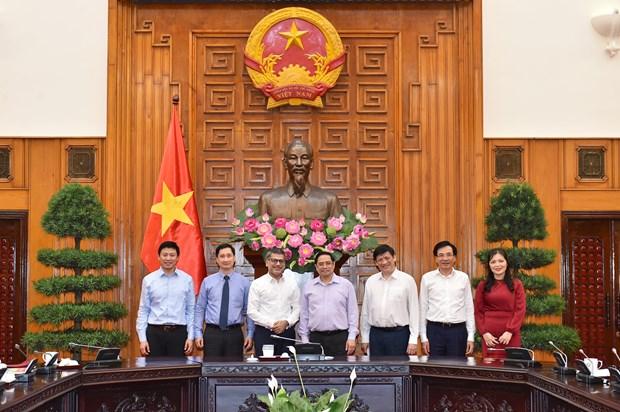 Le PM demande a AstraZeneca de soutenir la strategie vaccinale du Vietnam hinh anh 1