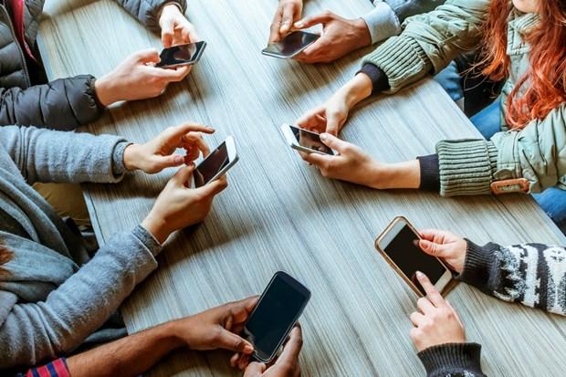 Le Vietnam dans le top 10 des pays ayant le plus grand nombre d'utilisateurs de smartphones hinh anh 1