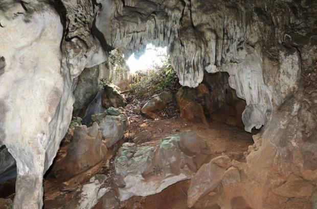 La beaute immaculee de la grotte Hat Chuong a Dien Bien hinh anh 2