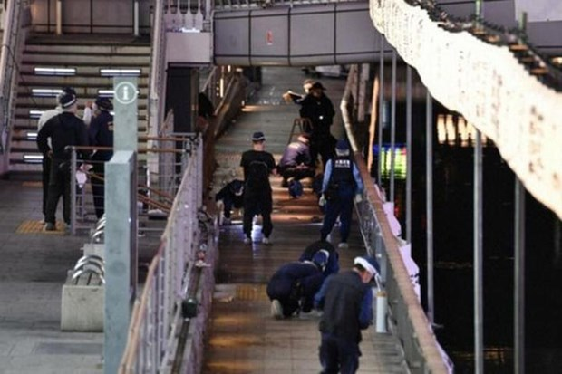 La police japonaise remet le corps du Vietnamien assassine a Osaka a la partie vietnamienne hinh anh 1