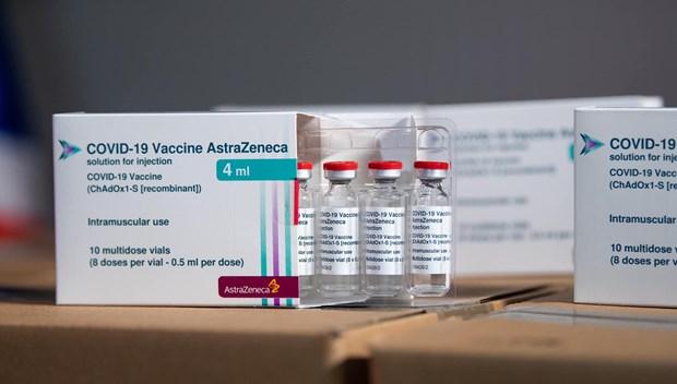 COVID-19: 1,2 million de doses supplementaires d'AstraZeneca arrivent au Vietnam hinh anh 1