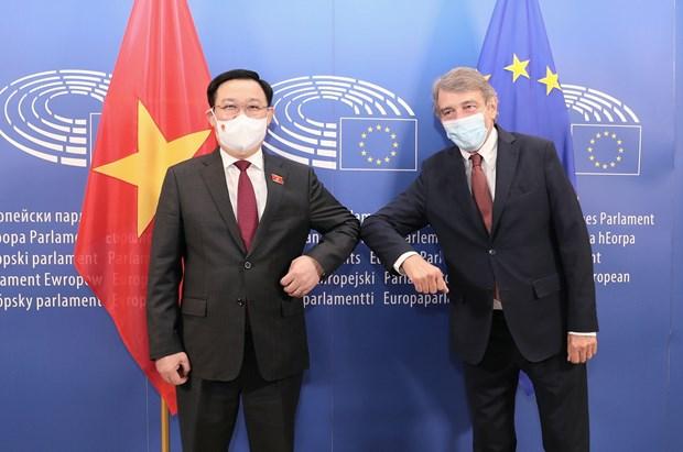 Medias belges : la visite du president de l'AN Vuong Dinh Hue promeut les relations UE-Vietnam hinh anh 3
