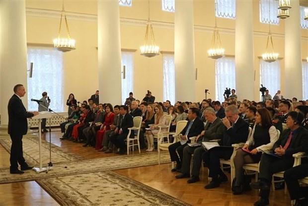 Ouverture du premier Forum des jeunes Russie-Vietnam a Saint-Petersbourg hinh anh 1