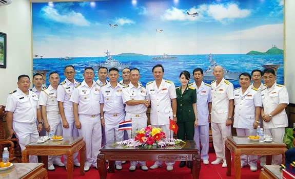 Renforcement de la cooperation entre les forces marines Vietnam-Thailande hinh anh 1