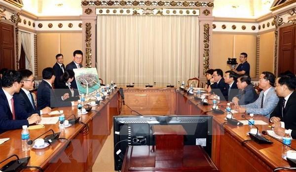 Ho Chi Minh-Ville et le groupe Lotte cooperent dans la construction d'infrastructures hinh anh 1