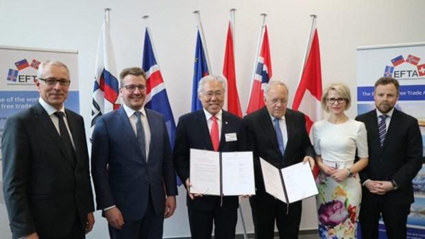 Signature d'un accord economique entre l'Indonesie et l'AELE hinh anh 1