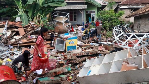 Tsunami en Indonesie : le bilan grimpe a 429 morts hinh anh 1