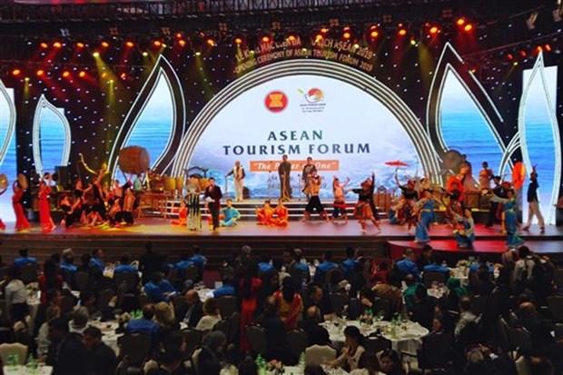 Ouverture du Forum du tourisme de l'ASEAN 2019 a Ha Long hinh anh 1