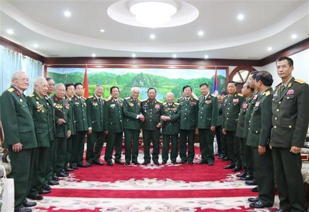 Le Laos exprime sa reconnaissance envers les anciens soldats volontaires et experts vietnamiens hinh anh 1