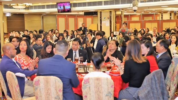Les Vietnamiens a Hong Kong, a Macau et en R. de Coree fetent le Tet traditionnel 2019 hinh anh 1