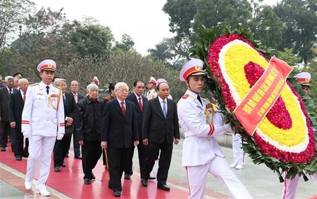 Anniversaire de la fondation du Parti : hommage posthume au President Ho Chi Minh hinh anh 1