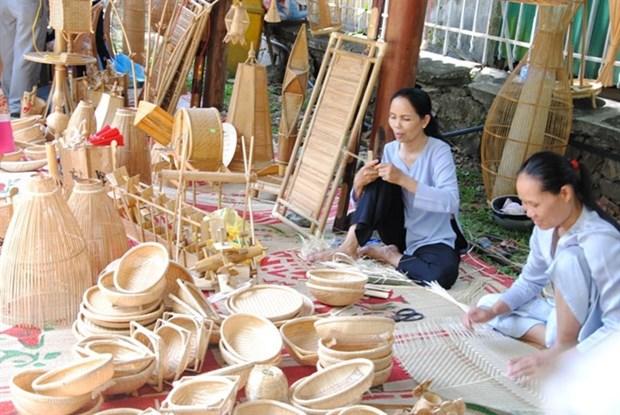 Hue : l'artisanat vietnamien en fete hinh anh 1