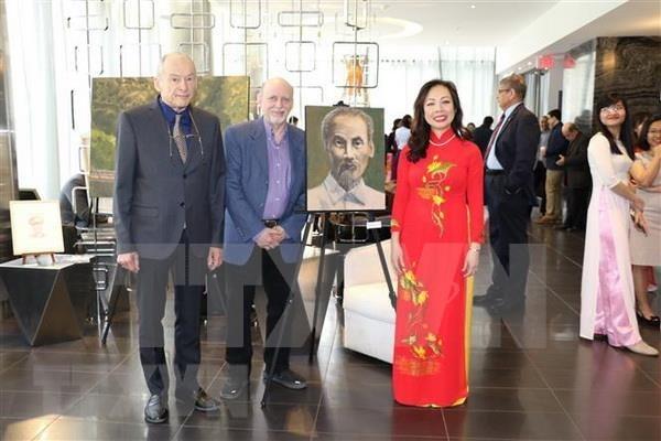 Une exposition sur le President Ho Chi Minh au Canada hinh anh 1