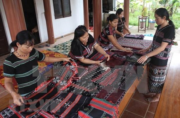 Lancement d'un rapport sur le developpement socioeconomique des ethnies minoritaires hinh anh 1