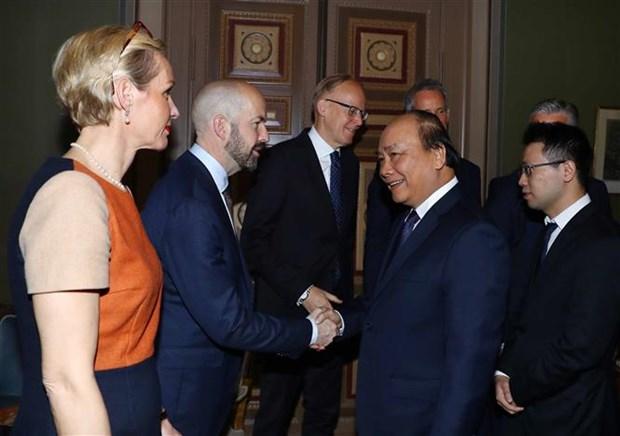 Le PM Nguyen Xuan Phuc rencontre des responsables de groupes economiques suedois hinh anh 1