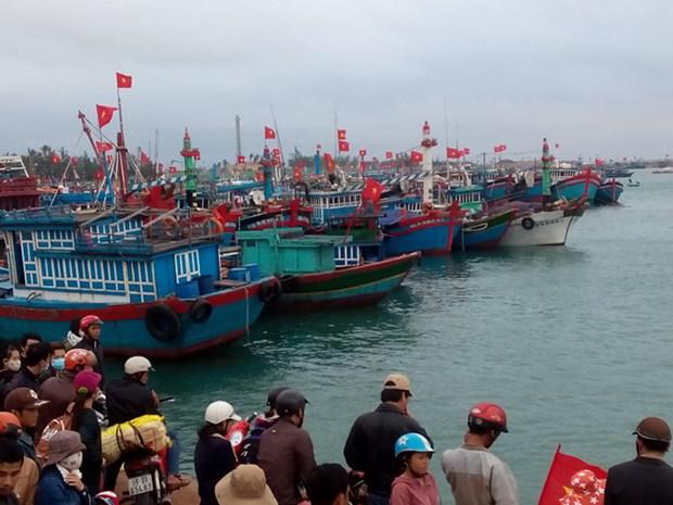 Sauvetage de 32 marins etrangers en detresse en mer hinh anh 1