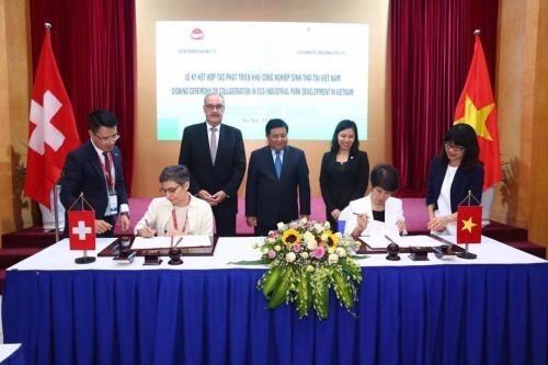La Suisse aide le Vietnam a developper des parcs eco-industriels hinh anh 1