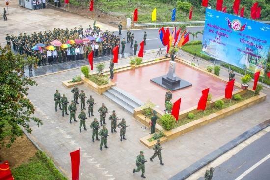 Vietnam-Laos: intensification de la cooperation entre les garde-frontieres hinh anh 1