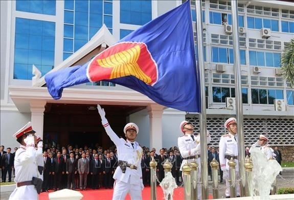 Celebration du 52e anniversaire de la fondation de l'ASEAN en Indonesie hinh anh 1