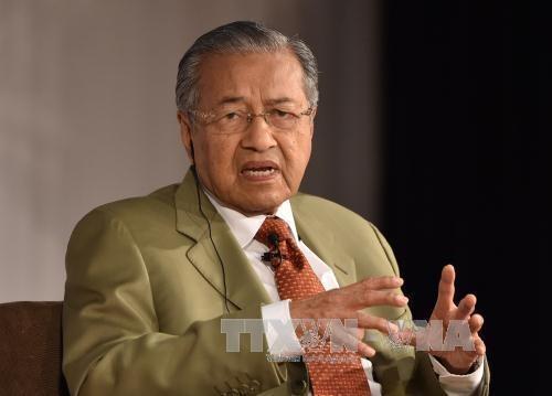La presse malaisienne couvre la visite du Premier ministre Mahathir Mohamad au Vietnam hinh anh 1