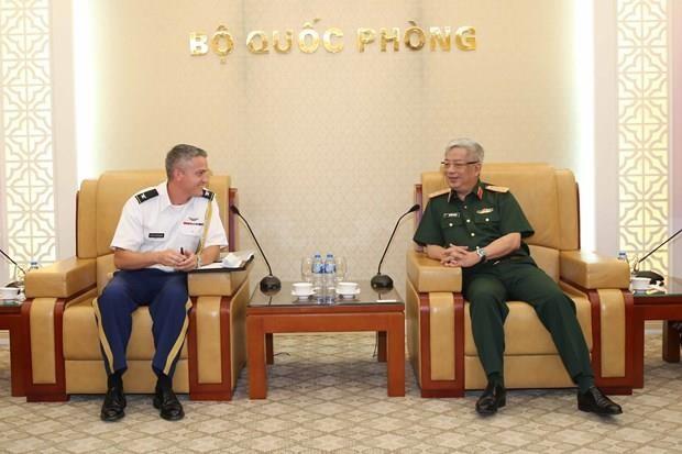 Intensification de la cooperation entre le Vietnam et les Etats-Unis dans la defense hinh anh 1