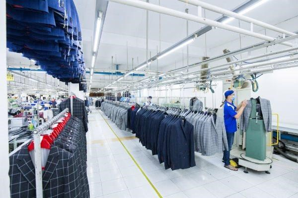 Plus de 34 milliards de dollars d'excedent commercial du Vietnam avec les Etats-Unis hinh anh 1