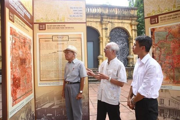 Activites en l'honneur du 65e anniversaire de la liberation de la capitale hinh anh 2