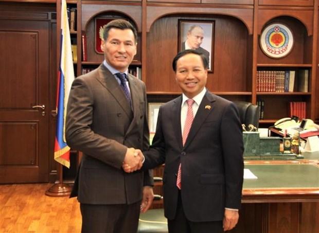Le Vietnam intensifie les relations avec la Republique de Kalmoukie hinh anh 1