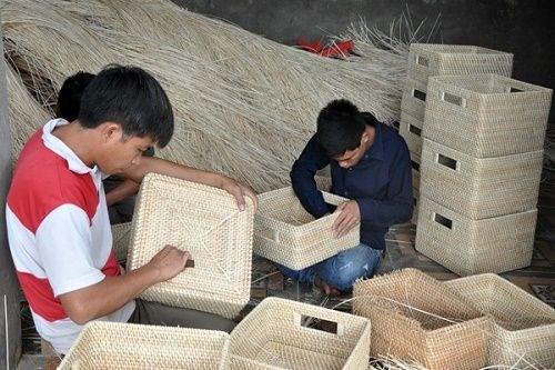 Vinh Phuc œuvre pour un developpent durable de ses villages de metiers hinh anh 1