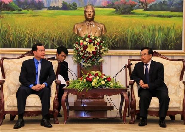 Syndicalisme : renforcement de la cooperation Vietnam-Laos hinh anh 1