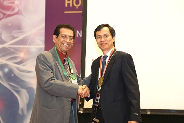 Le Vietnam accueille la 18e reunion de la Societe neurochirurgicale de l'ASEAN hinh anh 2