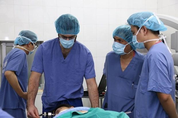 Le Vietnam accueille la 18e reunion de la Societe neurochirurgicale de l'ASEAN hinh anh 6