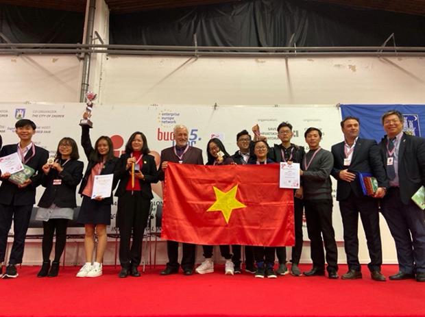 Invention : Des eleves vietnamiens brillants a l'INOVA 44 hinh anh 1