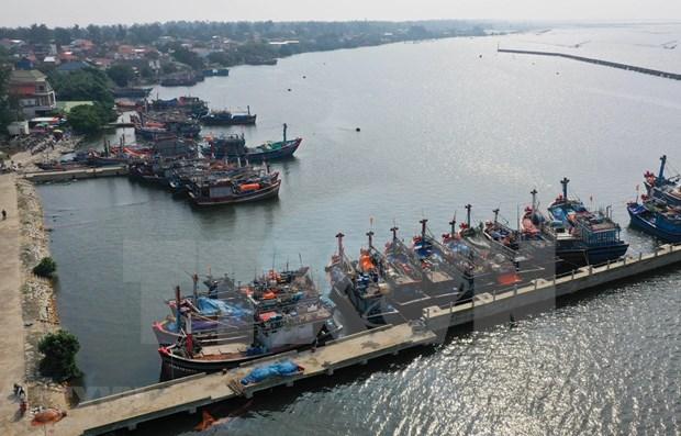 Le Vietnam se prepare a l'arrivee du typhon Phanfone hinh anh 1