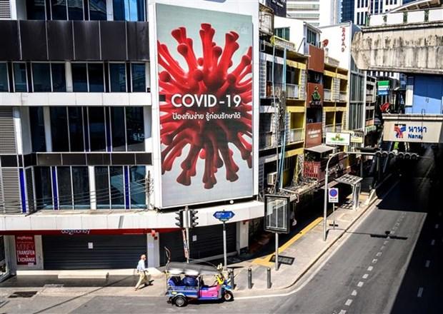 COVID-19: Tous les magasins a Bangkok doivent fermer les portes a minuit hinh anh 1