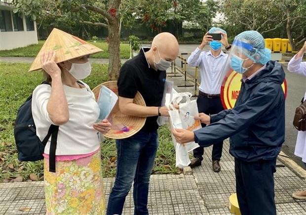 COVID-19 : deux autres patients britanniques gueris a Thua Thien-Hue hinh anh 1