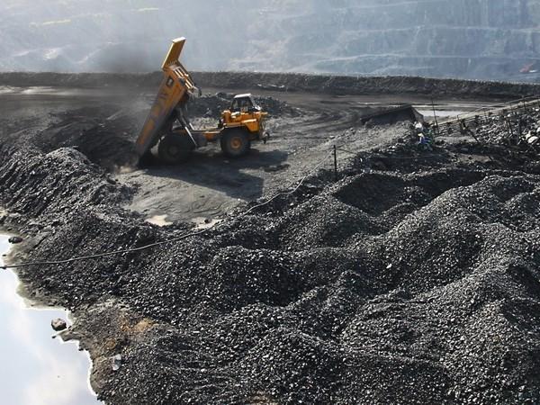 COVID-19 : l'industrie charbonniere aide Quang Ninh a maintenir sa croissance economique hinh anh 1