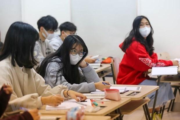 COVID-19 : le ministere de la Sante propose d'acheter plus d'appareils respiratoires hinh anh 1
