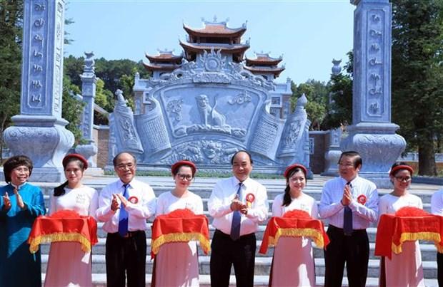 Le PM assiste a des activites en l'honneur de l'anniversaire du President Ho Chi Minh hinh anh 1