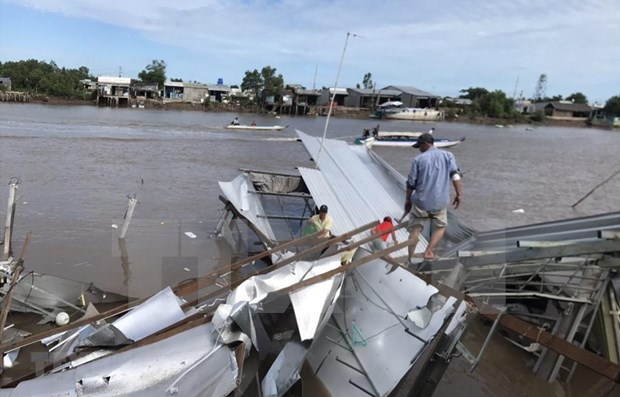 Ca Mau : Une centaine de maisons endommagees par des pluies torrentielles hinh anh 1