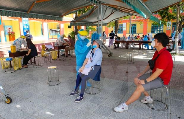 Da Nang : depistage du coronavirus chez les etrangers a Son Tra hinh anh 1