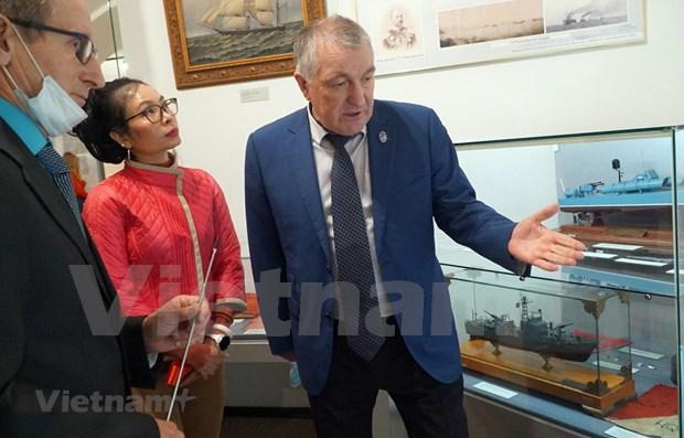 Ouverture de l'exposition « Cam Ranh : cooperation militaire Vietnam-Russie » a Saint-Petersbourg hinh anh 1