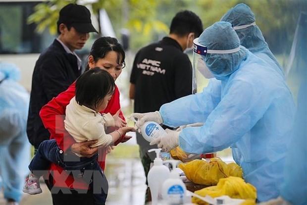 COVID-19: 1.063 sur le total des 1.180 infections ont ete gueris au Vietnam hinh anh 1