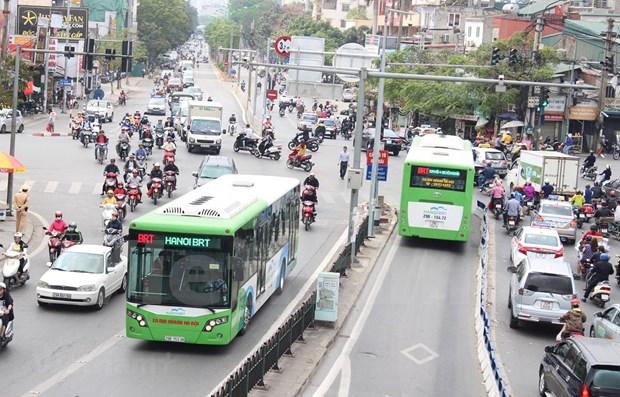Hanoi envisage de mettre en place dix voies prioritaires pour les bus d'ici 2030 hinh anh 1