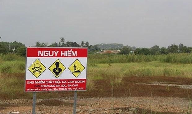 Une nouvelle technologie de decontamination de la dioxine testee a l'aeroport de Bien Hoa hinh anh 1