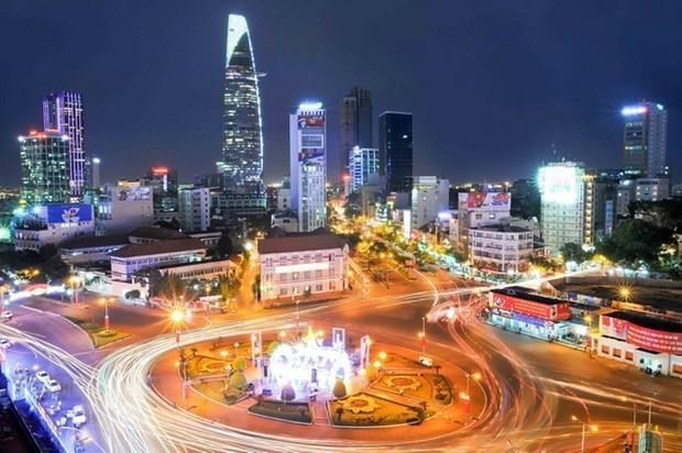 Le FMI prevoit une croissance positive du Vietnam en 2021 hinh anh 1