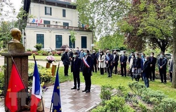 Le 131e anniversaire de la naissance du President Ho Chi Minh celebre en France hinh anh 1