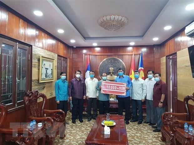 Soutien du Laos pour le Vietnam dans la lutte contre le COVID-19